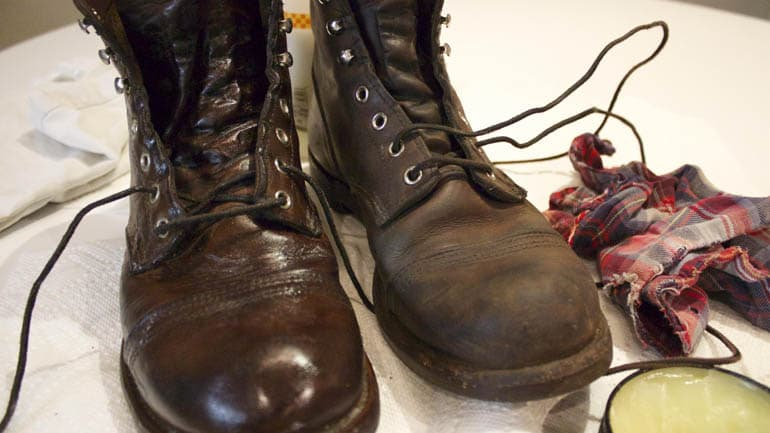 mink oil boots